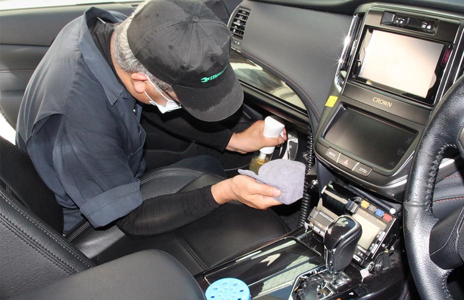 車のプロが考えた独自の車内専用光触媒溶剤コーティングシステム